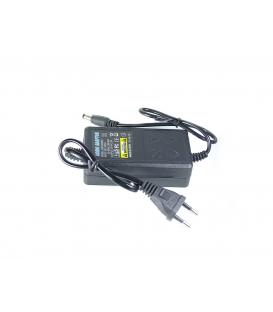 Adaptateur 12 Volts, 2A pour DVR et Camera - Grade B